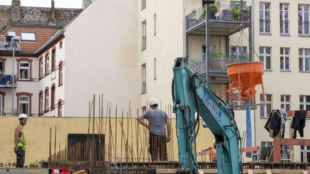 Negativzins-Kredite der KfW: Häuslebauer kriegen bald Geld geschenkt!