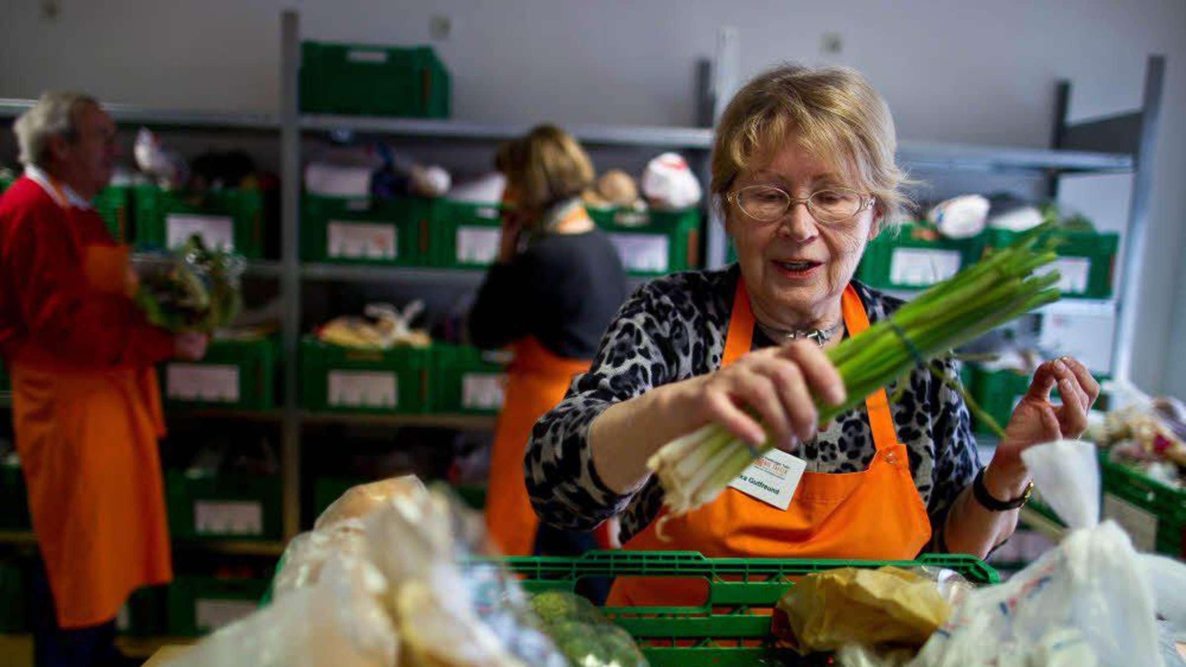 Lebensmittel für 100 Bedürftige   Caritas