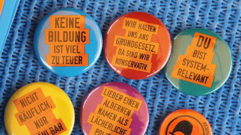 Buttons der Piratenpartei.