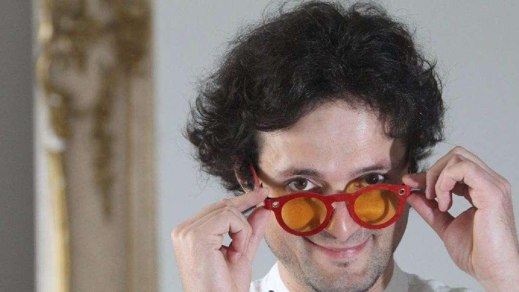 164eb4eb046b29 Brillen und Taschen aus Pappe   Panorama