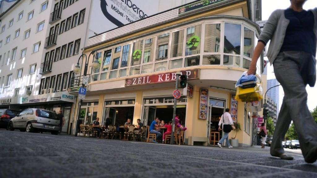 3fdb034094f2c4 Peek und cloppenburg frankfurt zeil parken. share. 2019-01-19