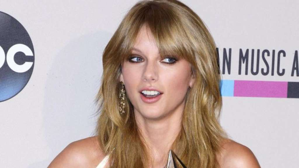 Taylor Swift dominiert American Music Awards