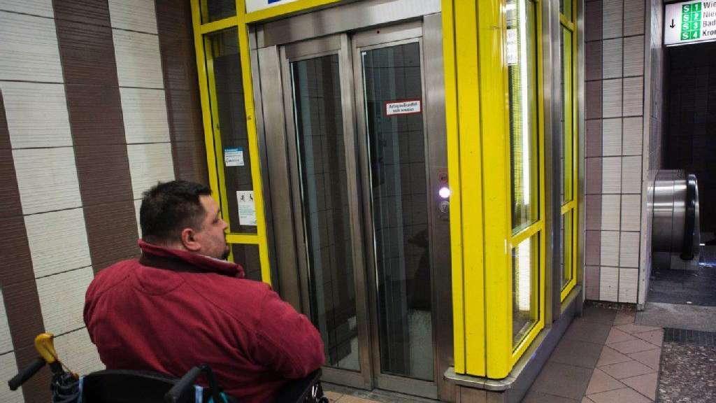 Turbo Wenn der Fahrstuhl nicht fährt | Oper EE28