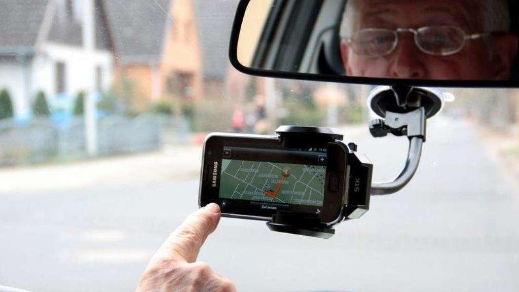 Wann Darf Ich Mein Smartphone Als Navi Nutzen Auto