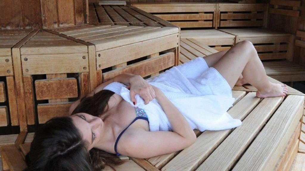 muss ich nackt in die sauna