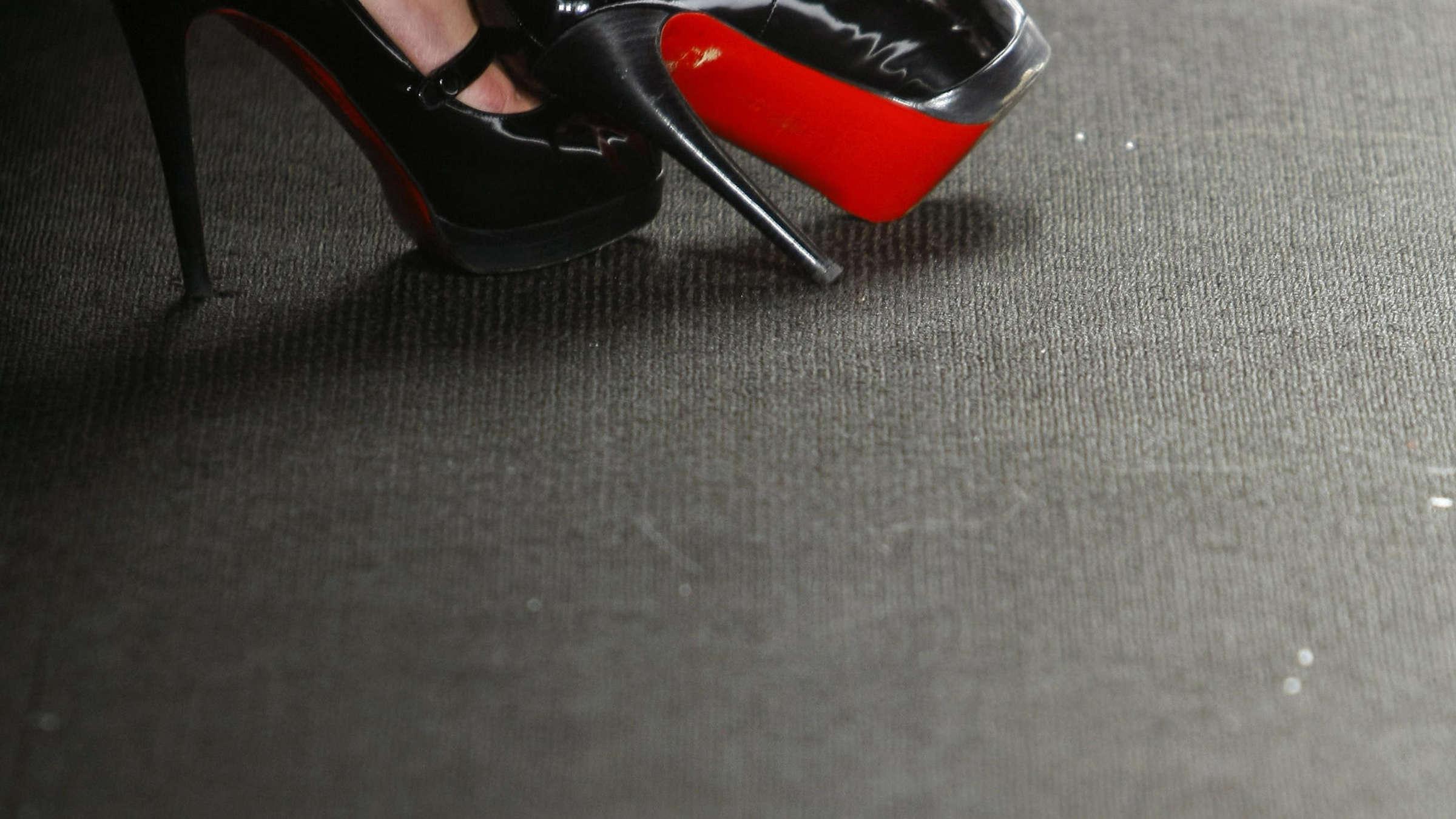 Französischer Schuhdesigner Louboutin sieht rot |
