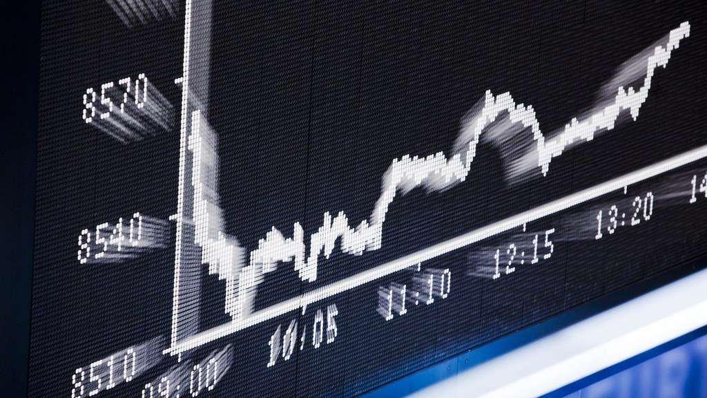 Aktien Kaufen So Kommen Anleger An Wertpapiere Geld