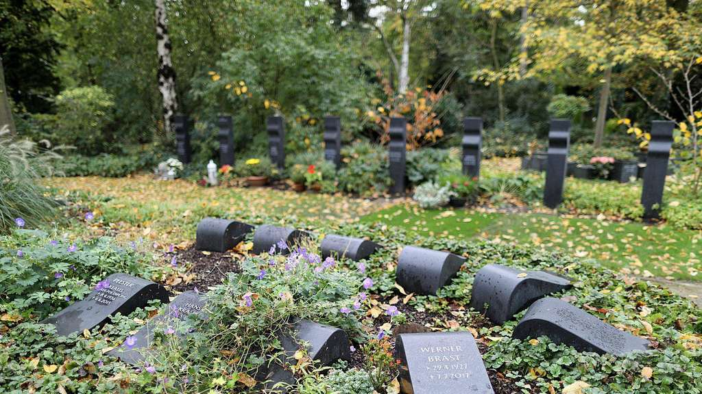 Top Friedhofsverwaltung darf Grabplatten verbieten | Geld &TN_81