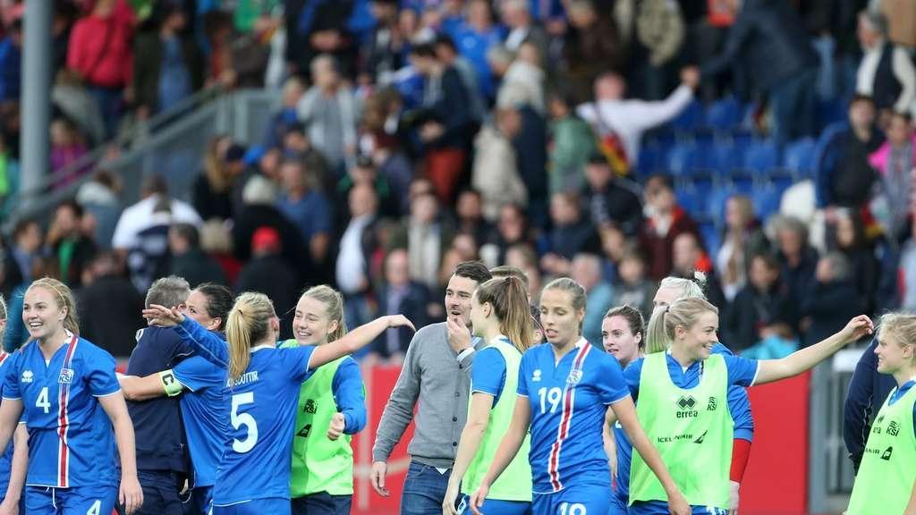 Wm Qualifikation Island Zieht An Dfb Frauen Vorbei Fussball