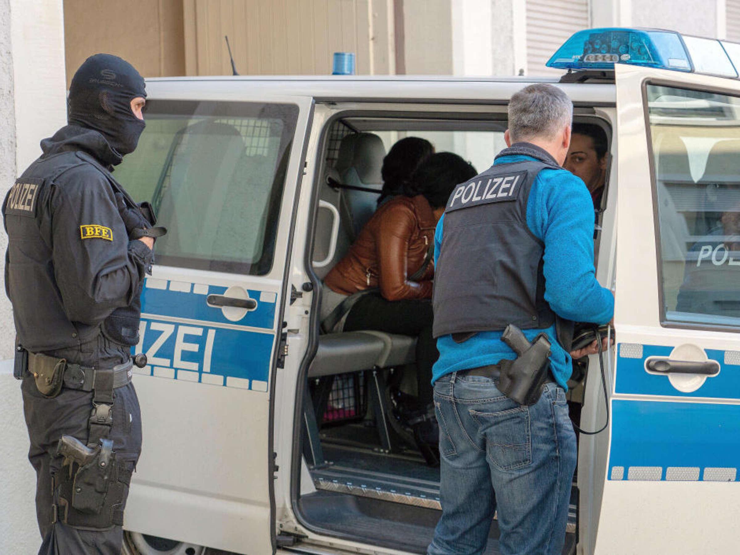 Koblenz puff in Corona: Prostituierte