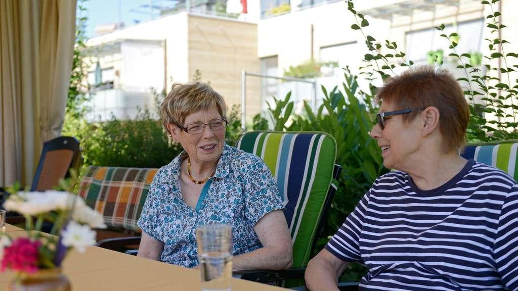Im Alter In Eine Wohngemeinschaft Ziehen Ratgeber