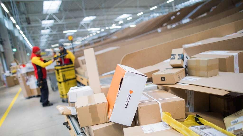 Deutsche Post Erhöht Porto Für Bücher Und Warensendungen Geld