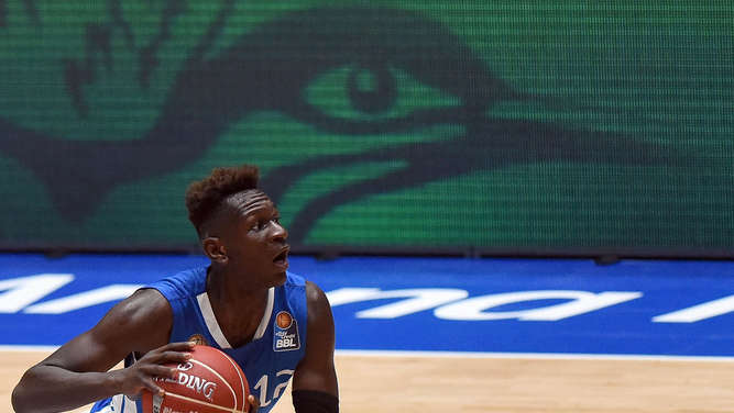 Bonga geht in den NBA-Draft