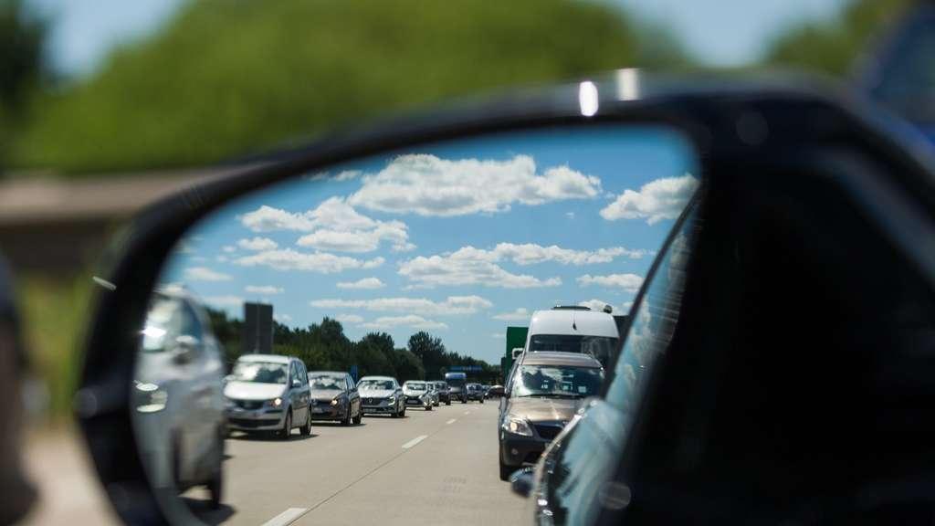 Sehr Korrekte Spiegeleinstellung minimiert toten Winkel beim Auto | Auto XO04