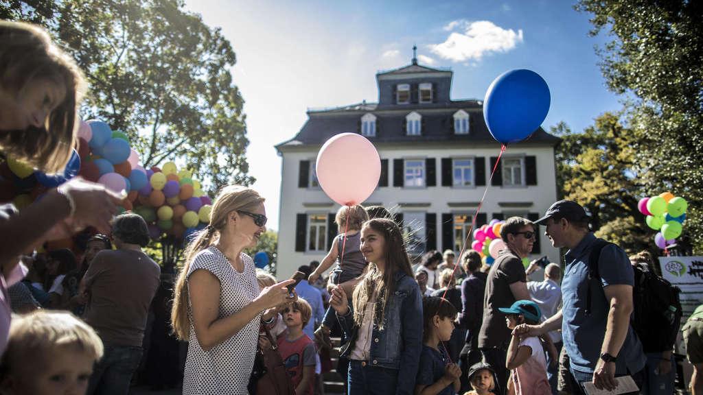 Kinder Gestalten Den Holzhausenpark Mit Nordend