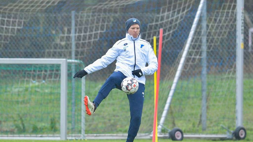 Hoffenheims Coach Julian Nagelsmann beim Training.