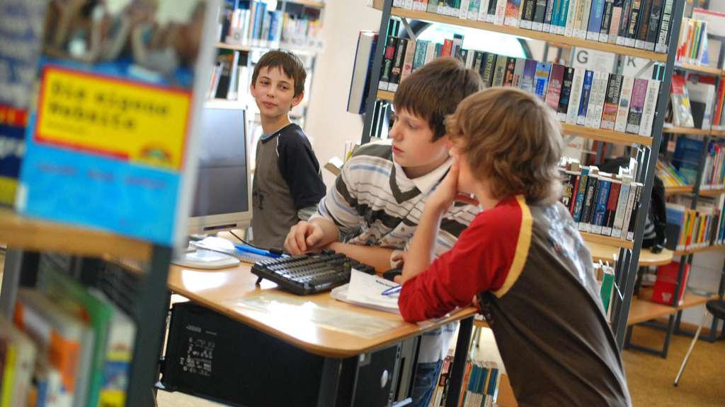 Büchertratsch mit Autorinnen in Flörsheim