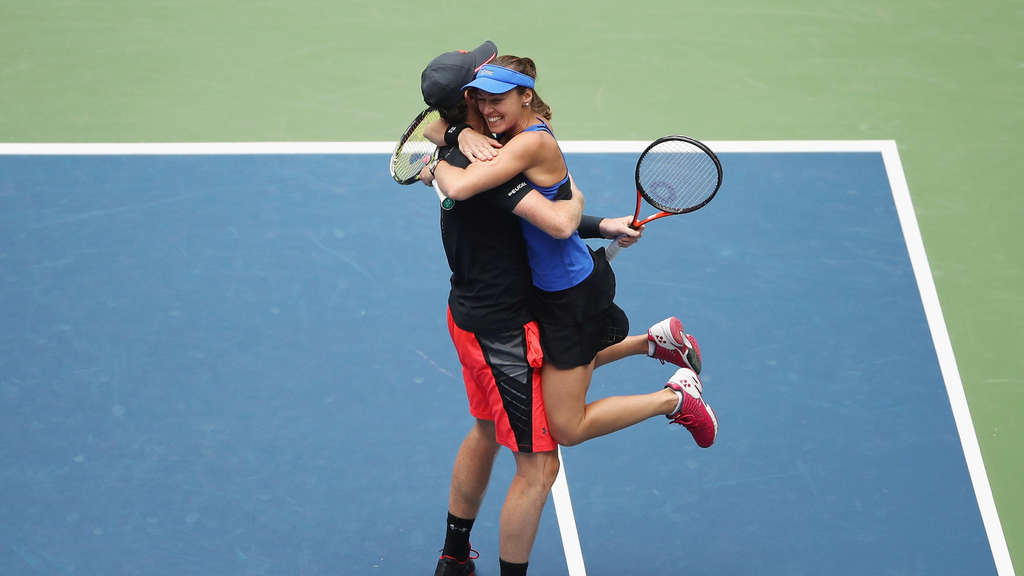 Dauerlächlerin in den Mixed-Grand-Slams: Martina Hingis (r.) und ihr Partner Jamie Murray beim Sieg der US-Open 2017.