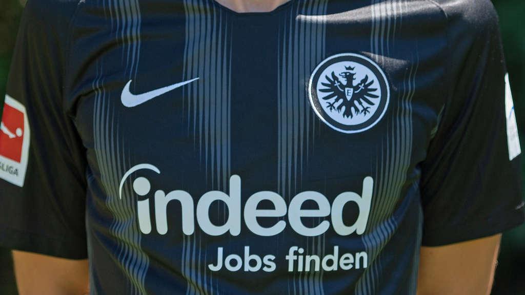 free shipping f43dc 85769 Eintracht Frankfurt (SGE) verlängert Vertrag mit Trikot ...