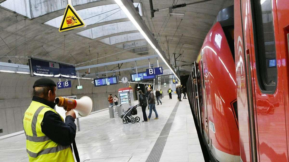 Ferkelz - Nächster Halt - Frankfurt