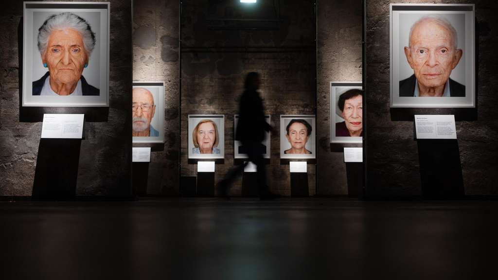 """Survivors – Faces of Life after the Holocaust"": Eine Ausstellung in Essen zeigt Holocaust-Überlebende."