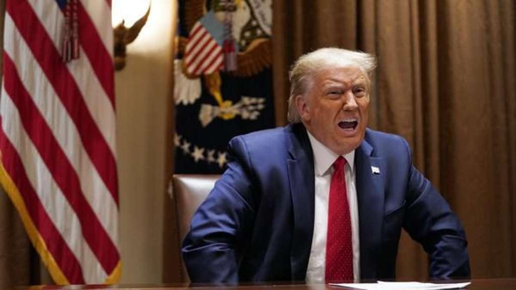 Corona Usa Trump