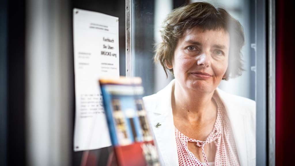 Nina Gorgus, Kuratorin am Historischen Museum, sammelt Corona-Fundstücke.